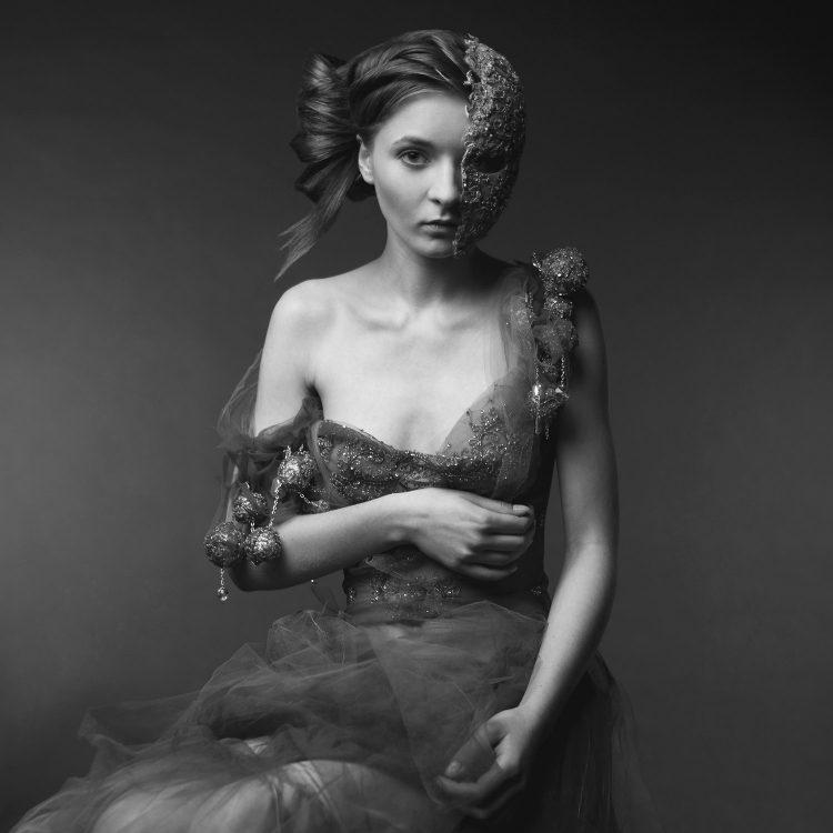 Katarzyna_Konieczka_Photographer_Maciej_Grochala_BeautifulBizarre