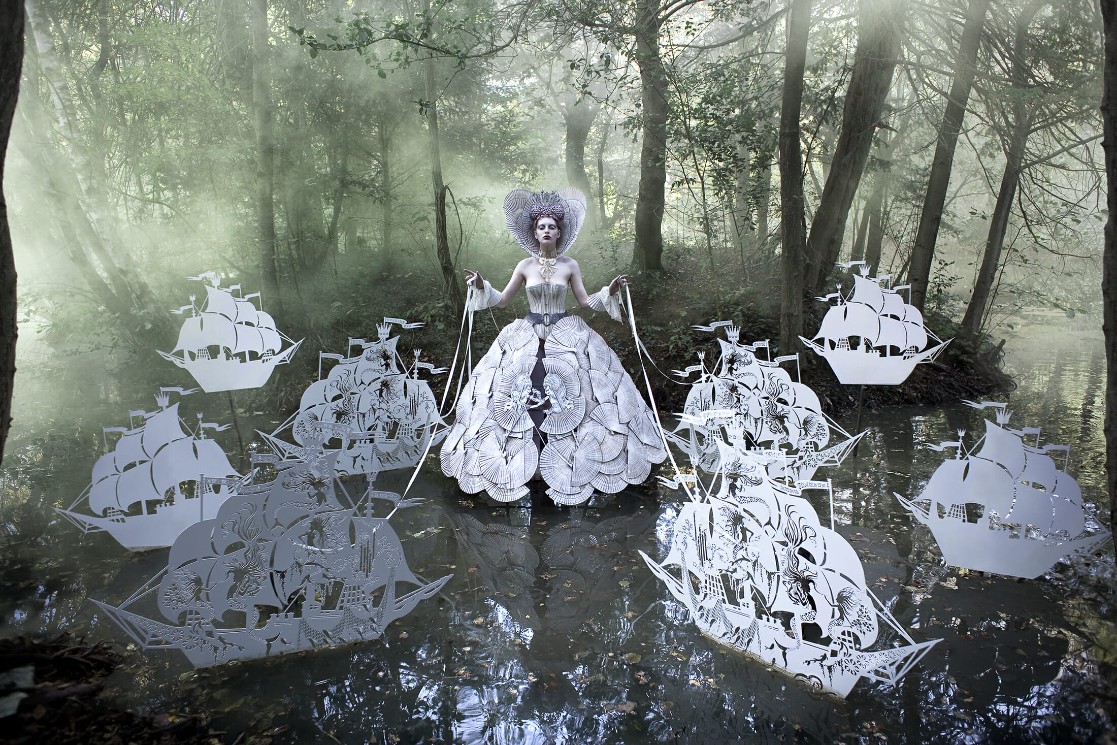 Kirsty-Mitchell-the-Queens-Armada-BeutifulBizarre