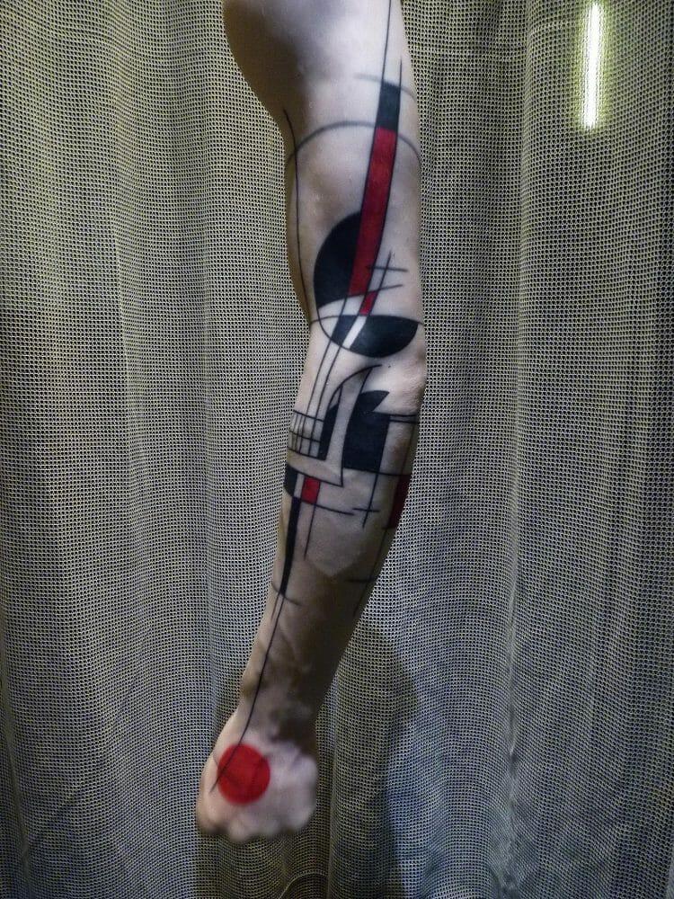Fake arm tattooed by Yann Black.
