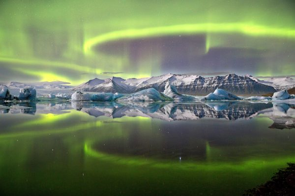 james woodend beautifulbizarre nature photography aurora over glacier