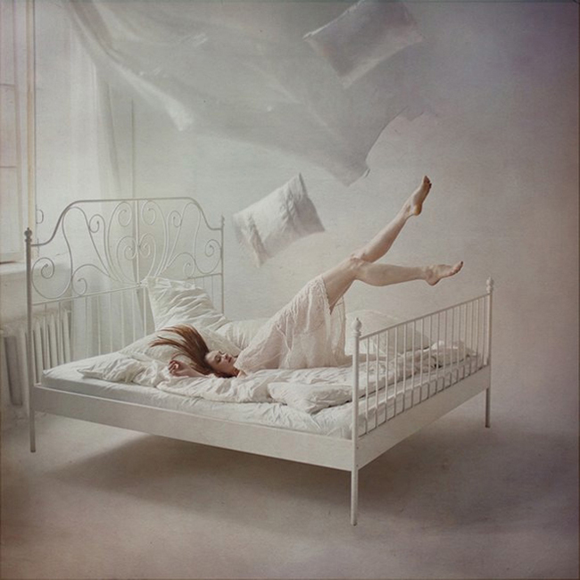 Anka Zhuravleva - levitation photography