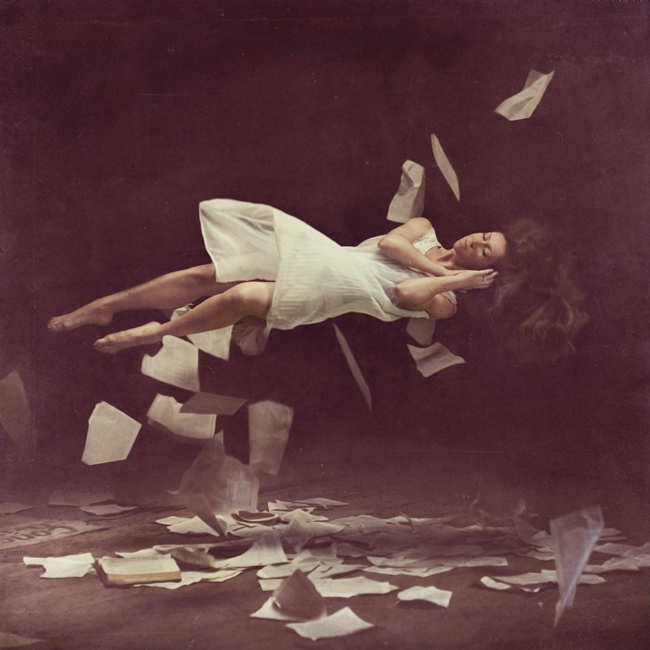 Brooke Shaden - levitation photography