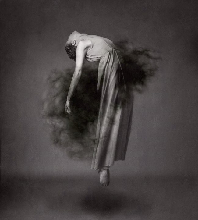 Josephine Cardin - levitation photography