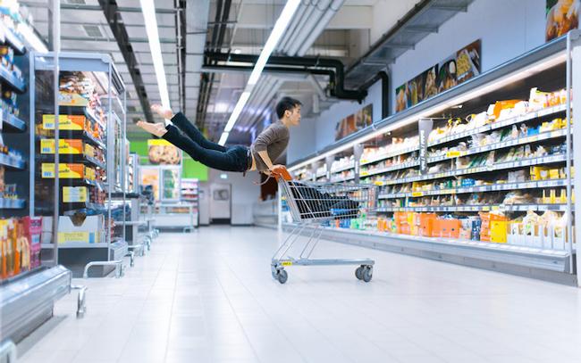 Mickael Jou - levitation photography
