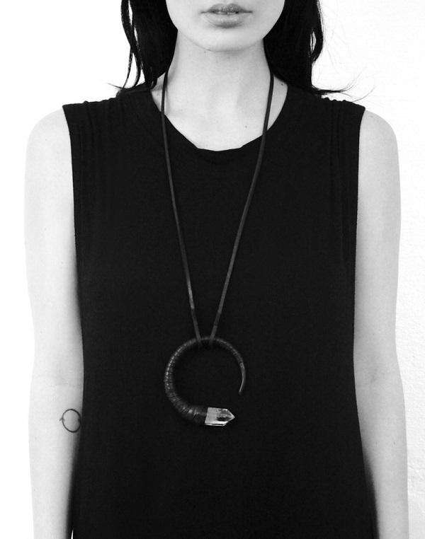 Anu_Tera_quartz_necklace_beautiful_bizarre