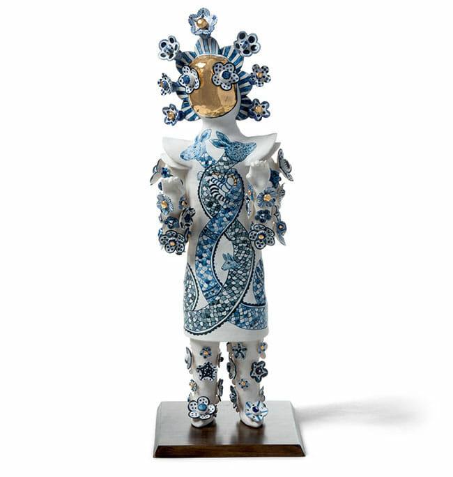 Vipoo Srivilasa sculpture