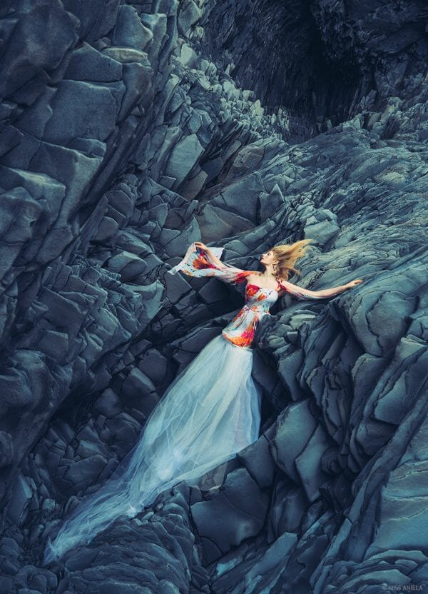 Miss Aniela Natalie Lennard Photograph Bleeding Woman Rocks