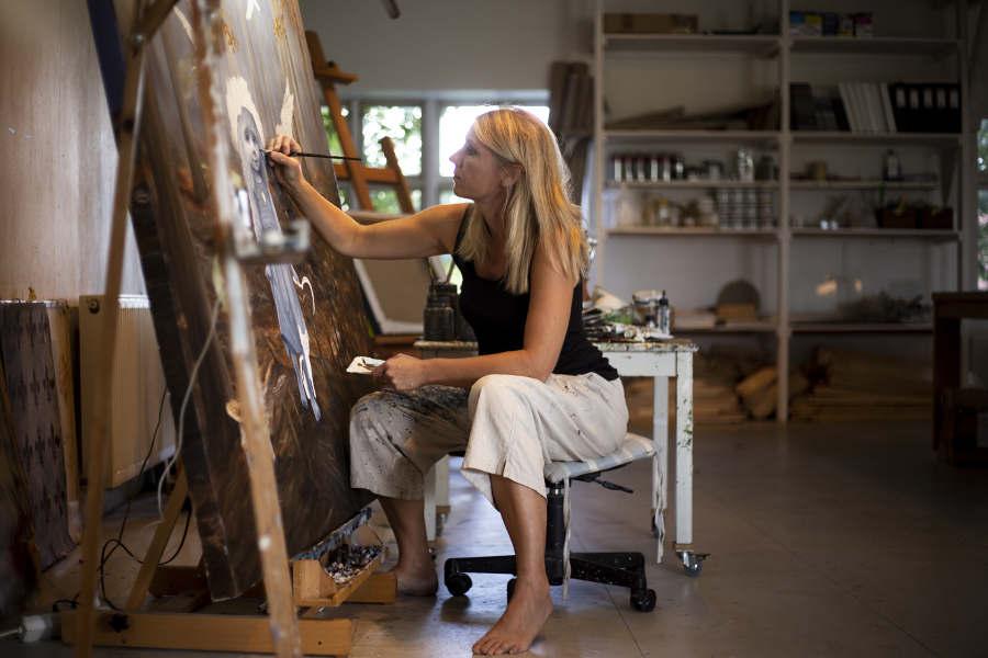 Anne Juul Christophersen - Connected at Galerie Wolfsen